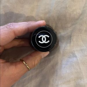 CHANEL Makeup - Chanel powder brush